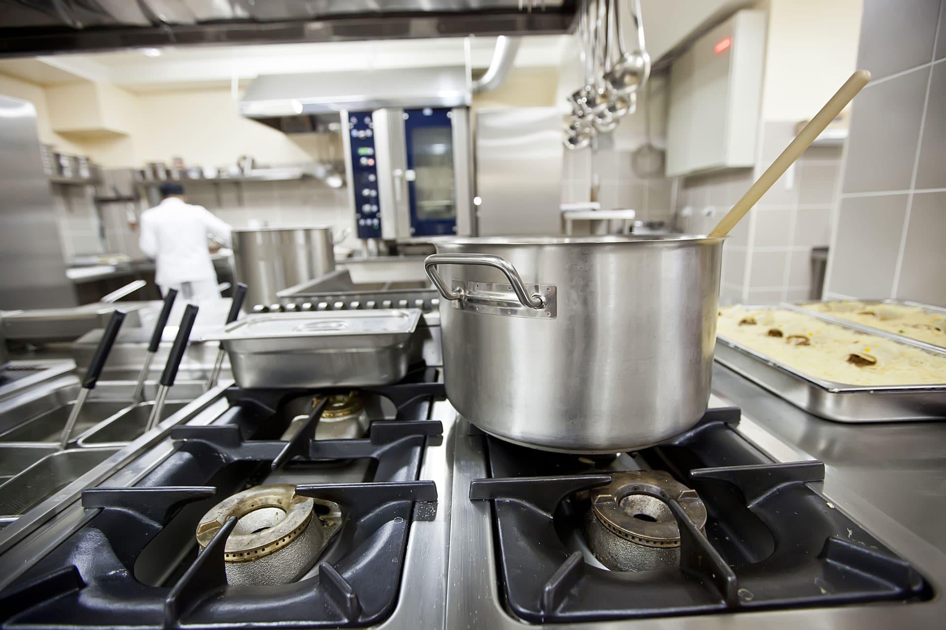 Reinigung von Küchenabluft- sowie Reinigung von Lüftungsanlagen