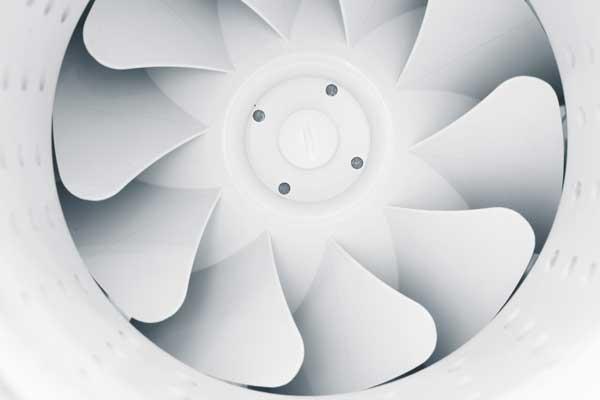 Lüftungssteuerungen, Ventilatoren sowie Flammschutzfilter und Fettfangfilter für Dunstabzugshauben.